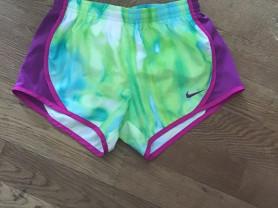 Спортивные шорты для девочки Nike dry-fit