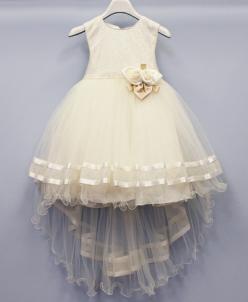 Платье праздничное.