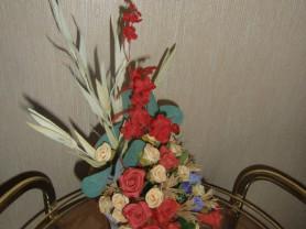 Цветочная композиция из искусственных цветов
