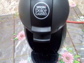 Кофе машина Нескафе Дольче густо