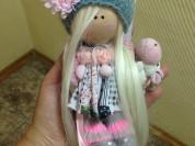Текстильная кукла ручной работы.