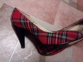 Отдам даром стильные туфли р.37 Camelot