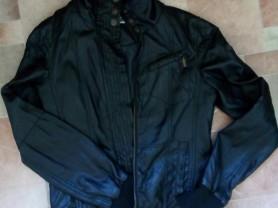 Отдам куртку кож.зам р.42-44 цвет чёрный.. Мало бу
