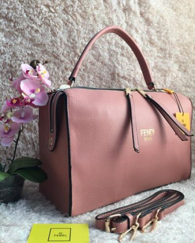 Купить женские сумки Fendi, цены на оригинальные женские