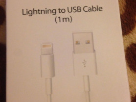 кабель на Айфон