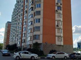 Продается просторная 2-х комнатная квартира Микрор