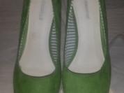 Зеленые туфли на платформе