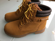 Новые Ботиночки на  меху р.38