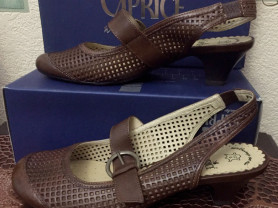 Новые кожаные туфли Caprice 39 Германия