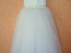 Бальное платье 32рр .на 122-128см.
