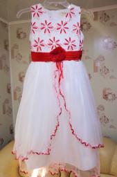 """Платье """"Выходное"""" бело-красное на 9-10 лет"""