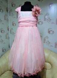 Нарядное платье на девочку 9-10 лет в наличии