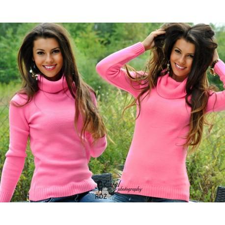Пушистый свитер  гольф