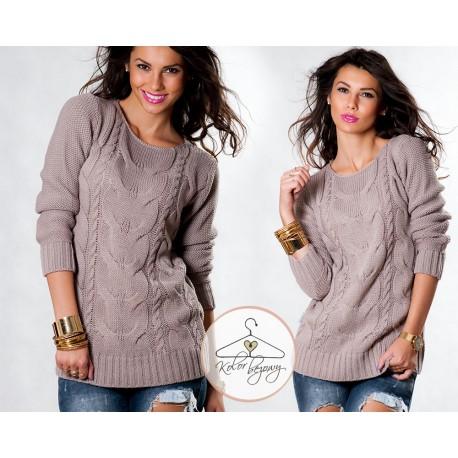 стильный свитер в косичку