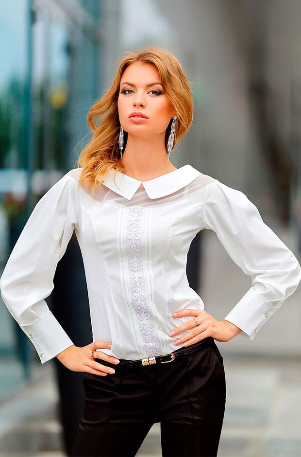 Красивая белая рубашка женская