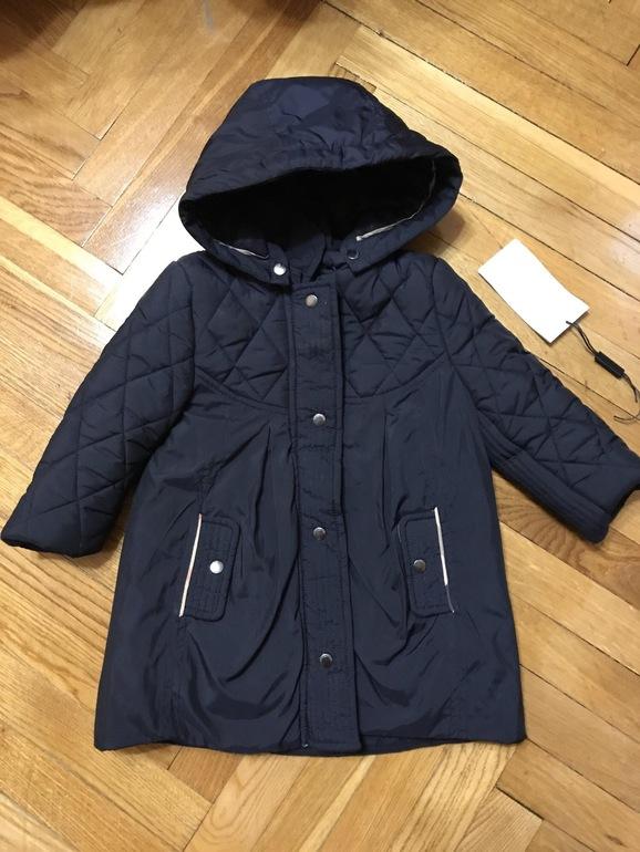 625d1309832d Ярославль. Почта. Очень милое пальто на девочку оригинал Burberry.  Утеплённое. В отличном состоянии. Носилось очень мало.На 1 1,5 года.