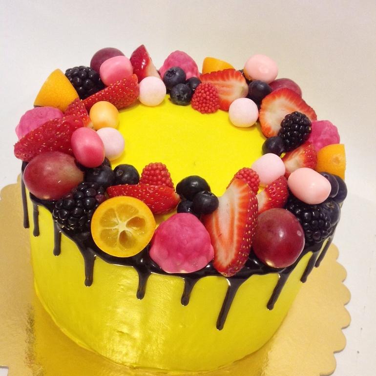 Как подготовить фрукты для украшения торта