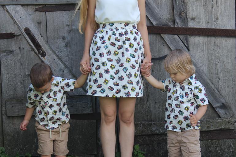 Сын задрал юбку маме когда они делали уроки 28 фотография
